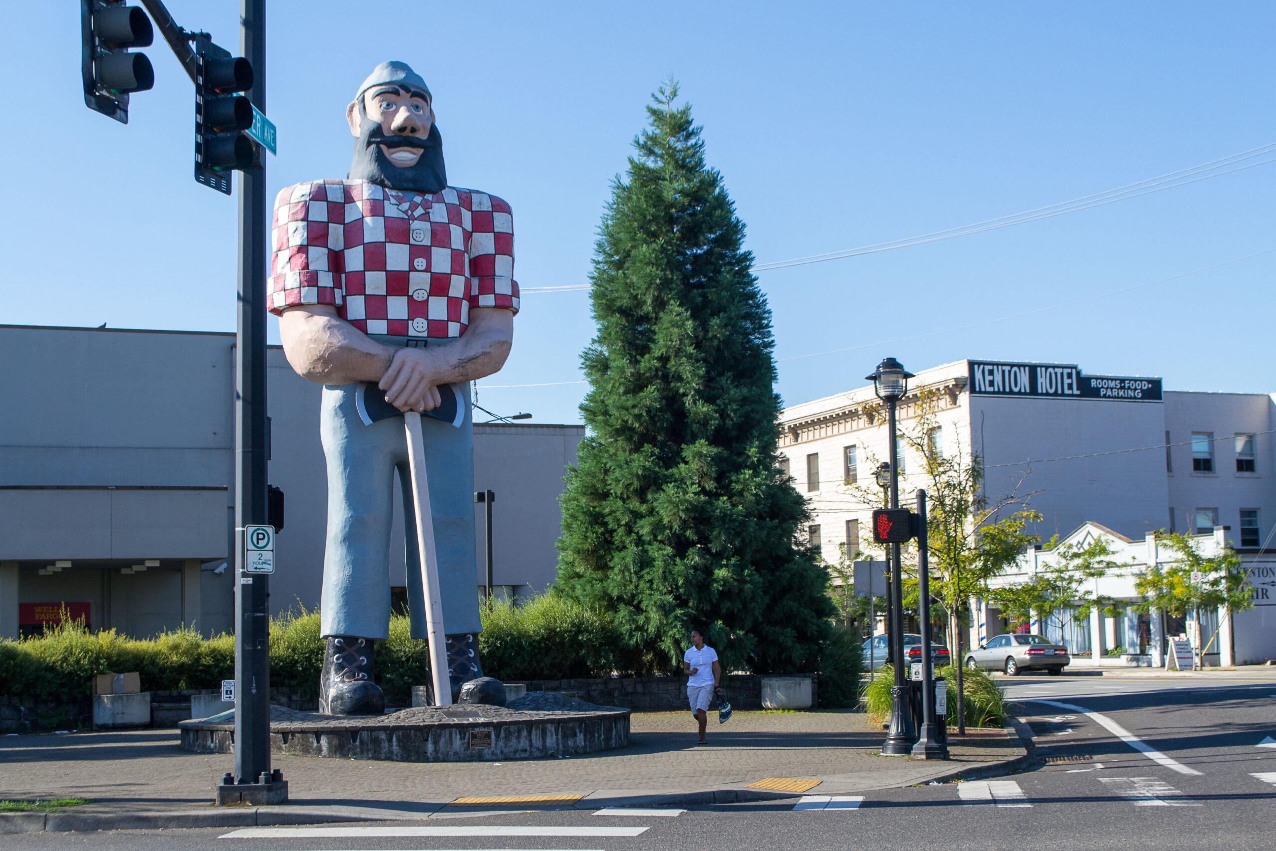 Statue of a lumberjack